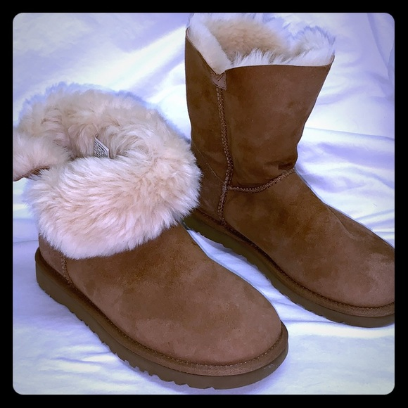 d33afabc94b UGG Bailey Button chestnut brown suede boot 6 NEW